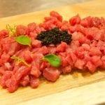 Tartare di manzo marinato alla Pilsner Urquell e caviale di tartufo
