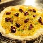 Gusto in Scena 2015_Gino Sorbillo_Pizza pomodorini gialli e olive