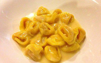 tortellini in crema parmigiano e brodo by irina