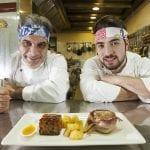 A sx lo chef Pietro Lecce a dx il figlio Emanuele 21 anni