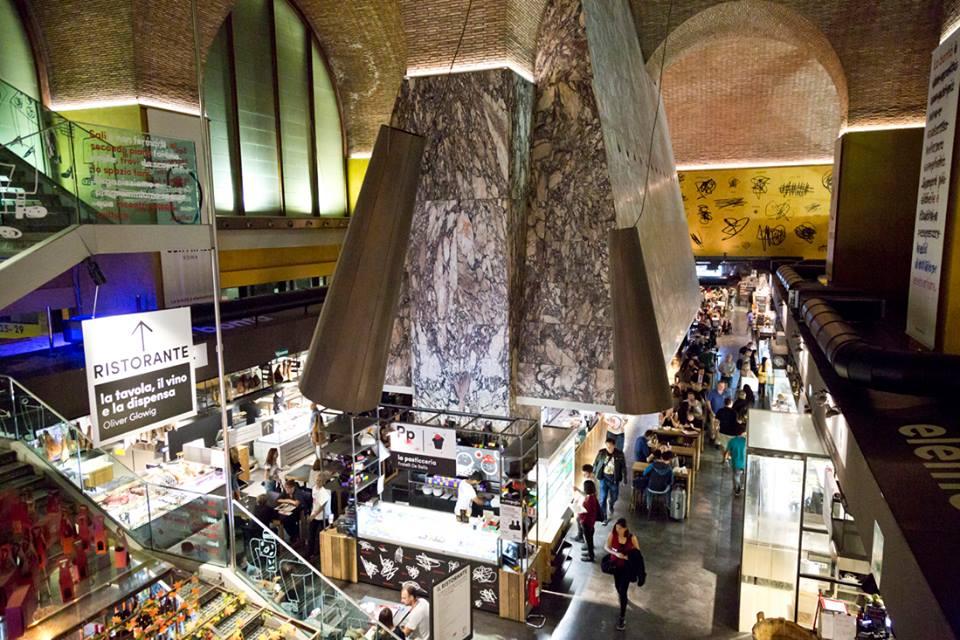 Il mercato centrale di roma visto dall'altro della cappa mazzoniana