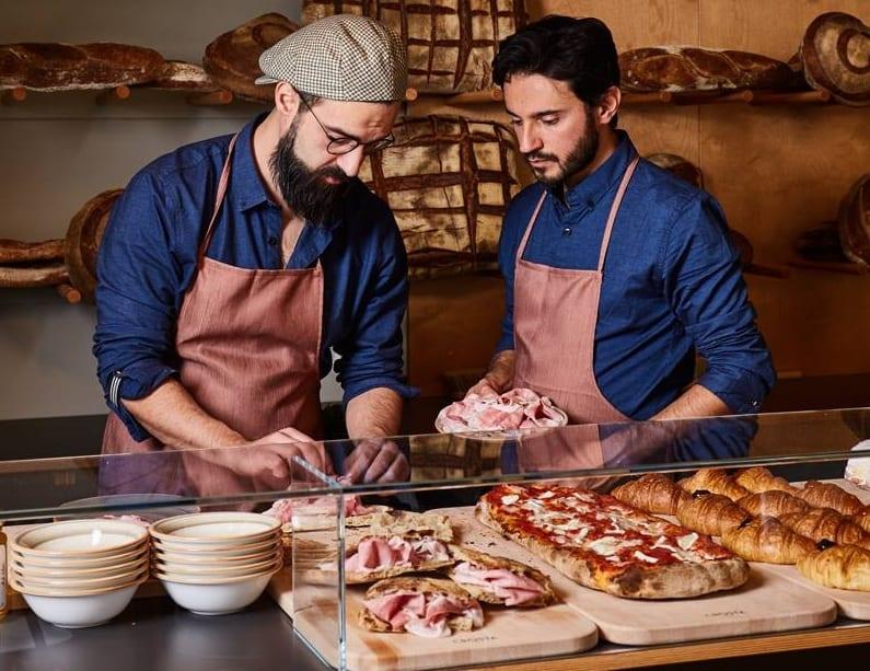 Giovanni Mineo e Simone Lombardi al banco di Crosta, Milano