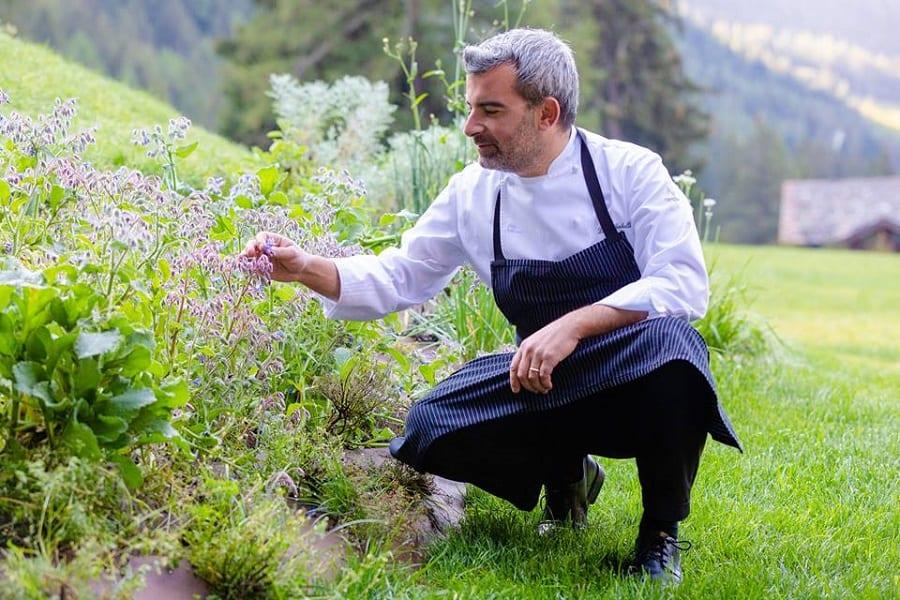 Luca Gubelli nell'orto di CampZero