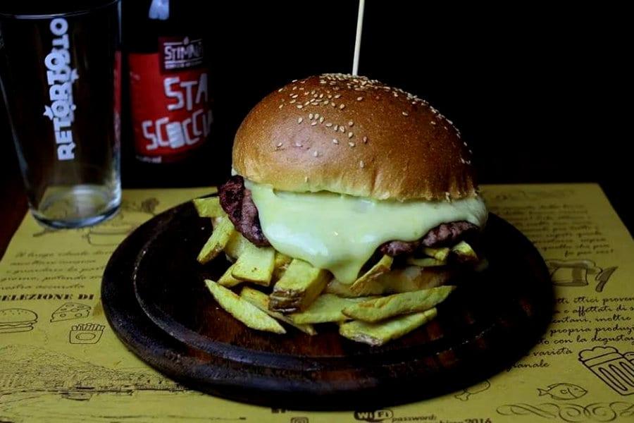 Hamburger di Oro, Incenso e Birra