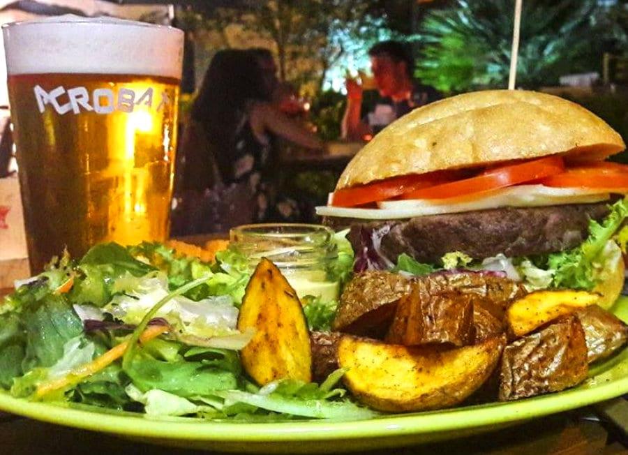 Hamburger e birra dell'Ottavonano