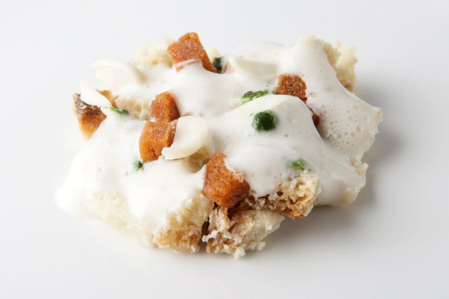 Pan cotto al latte di mandorle e ricci di mare – Uliassi
