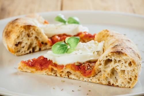 Pizza Tonda MargheritaRenato Bosco Pizzeria – Saporè