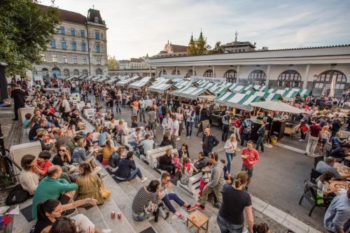 Il mercato Odprta Kuhna a Lubiana