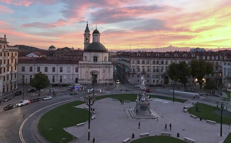Piazza Carlina a Torino al tramonto