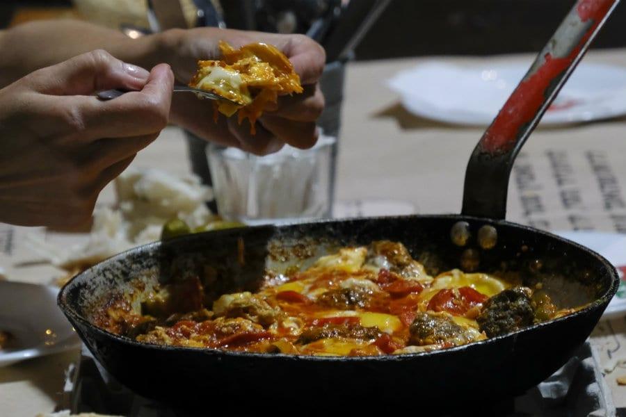 Shakshuka. Le uova in salsa israeliane