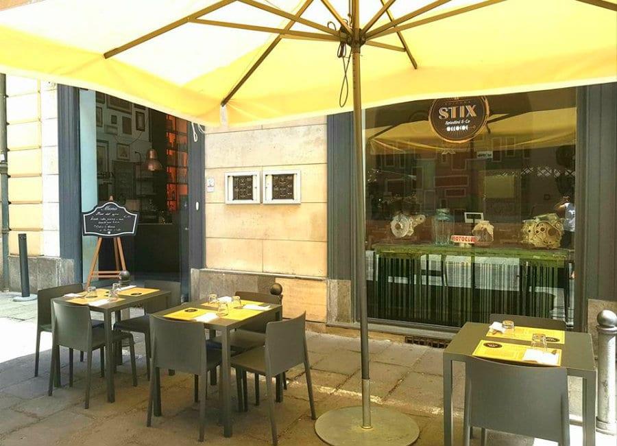 Il dehors di Stix Spiedini & Co a Bologna