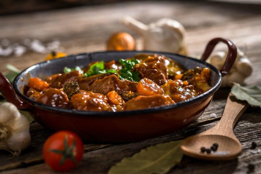 Qui trovate la ricetta di un classico della cucina piemontese  il Brasato al  Barolo. 4c354d79414e