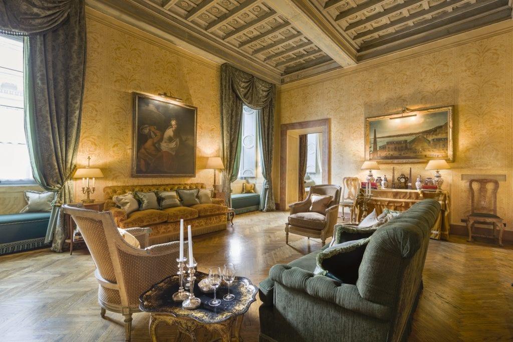 The Grand Emperor Suite il soggiorno, uno degli appartamenti di The Grand House