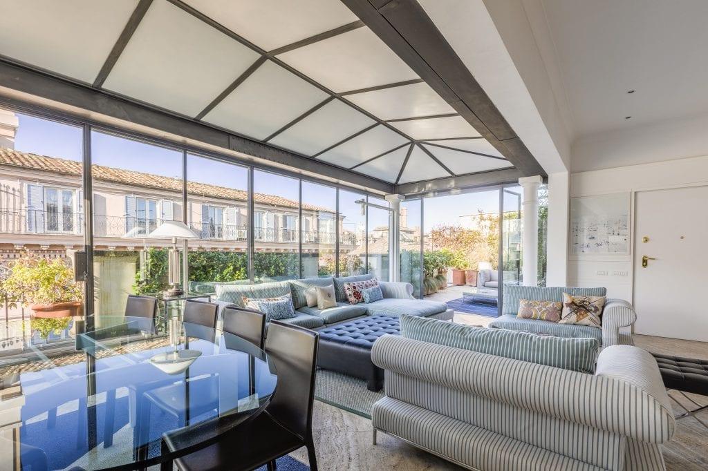 The Grand Penthouse, un odegli appartamenti di The Graand House, la meravigiosa vetrata su Piazza Venezia