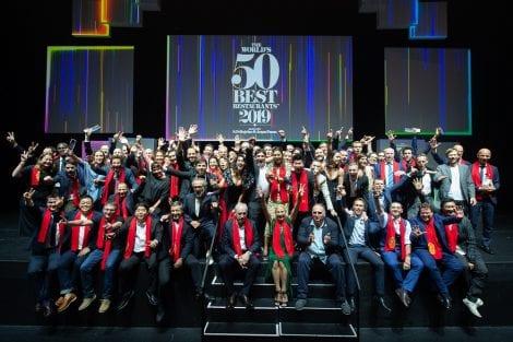 Tutti gli chef della World's 50 Best Restaurants 2019 sul palco di Singapore