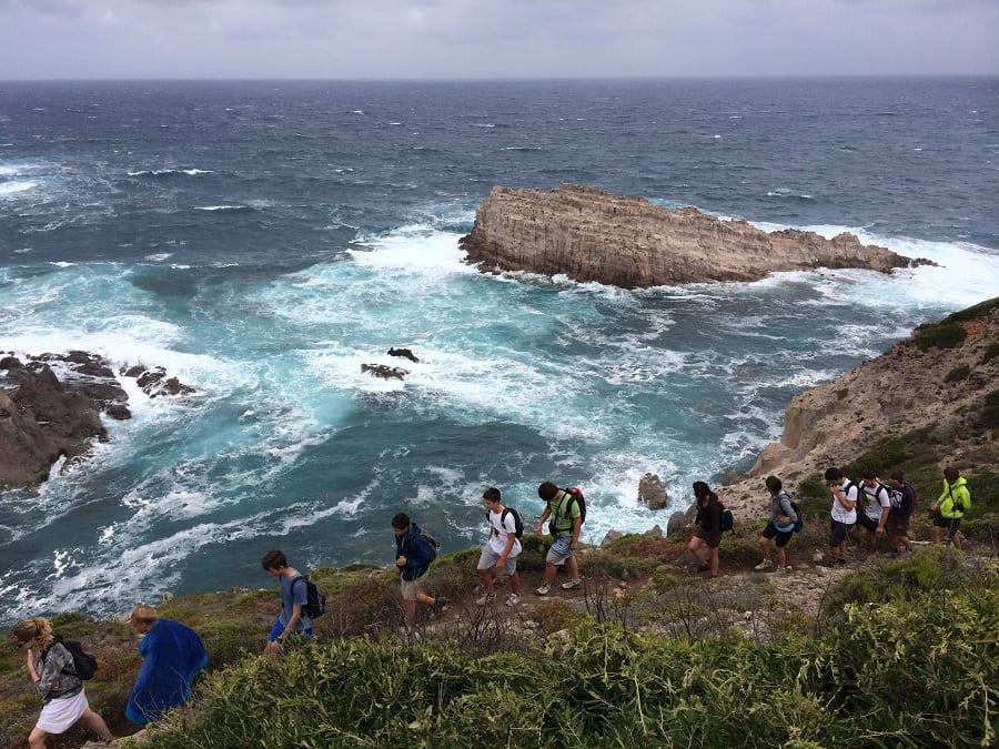 Trekking sulla scogliera di Calavinagra, sull'isola di San Pietro